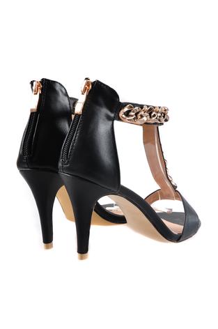 Sandałki wizytowe czarne ze złotym łańcuszkiem 36