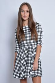 Sukienka z koła w biało-czarną kratę
