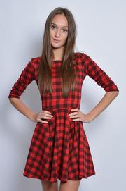Sukienka z koła w czerwono-czarną kratę