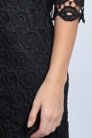 Sukienka z grubej koronki w kółka czarna