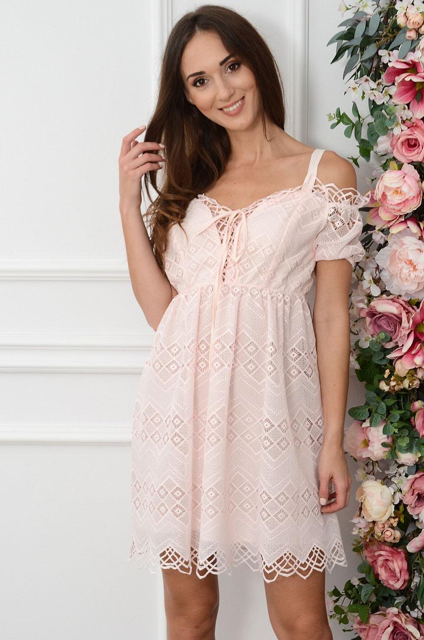 Púdrové čipkované šaty Isavela