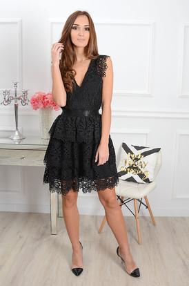 b3bf084328 Sukienka Cleo koronowa z falbanami czarna Sukienka Cleo koronowa z  falbanami czarna