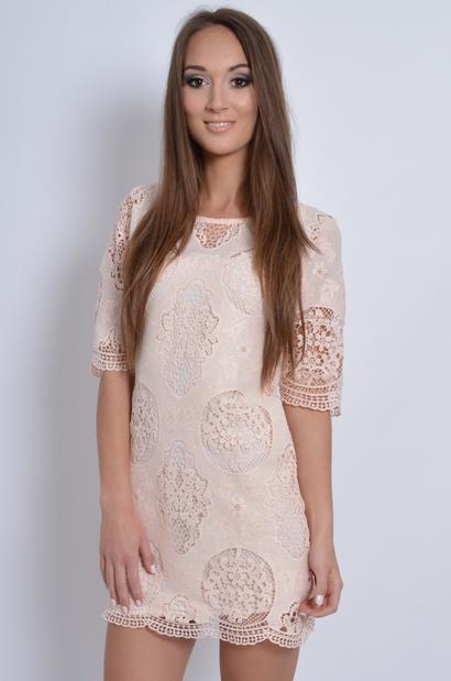 e2cc97ec5d52 Sukienka z koronki w duże wzory pudrowy róż - Cocomoda.pl - o...