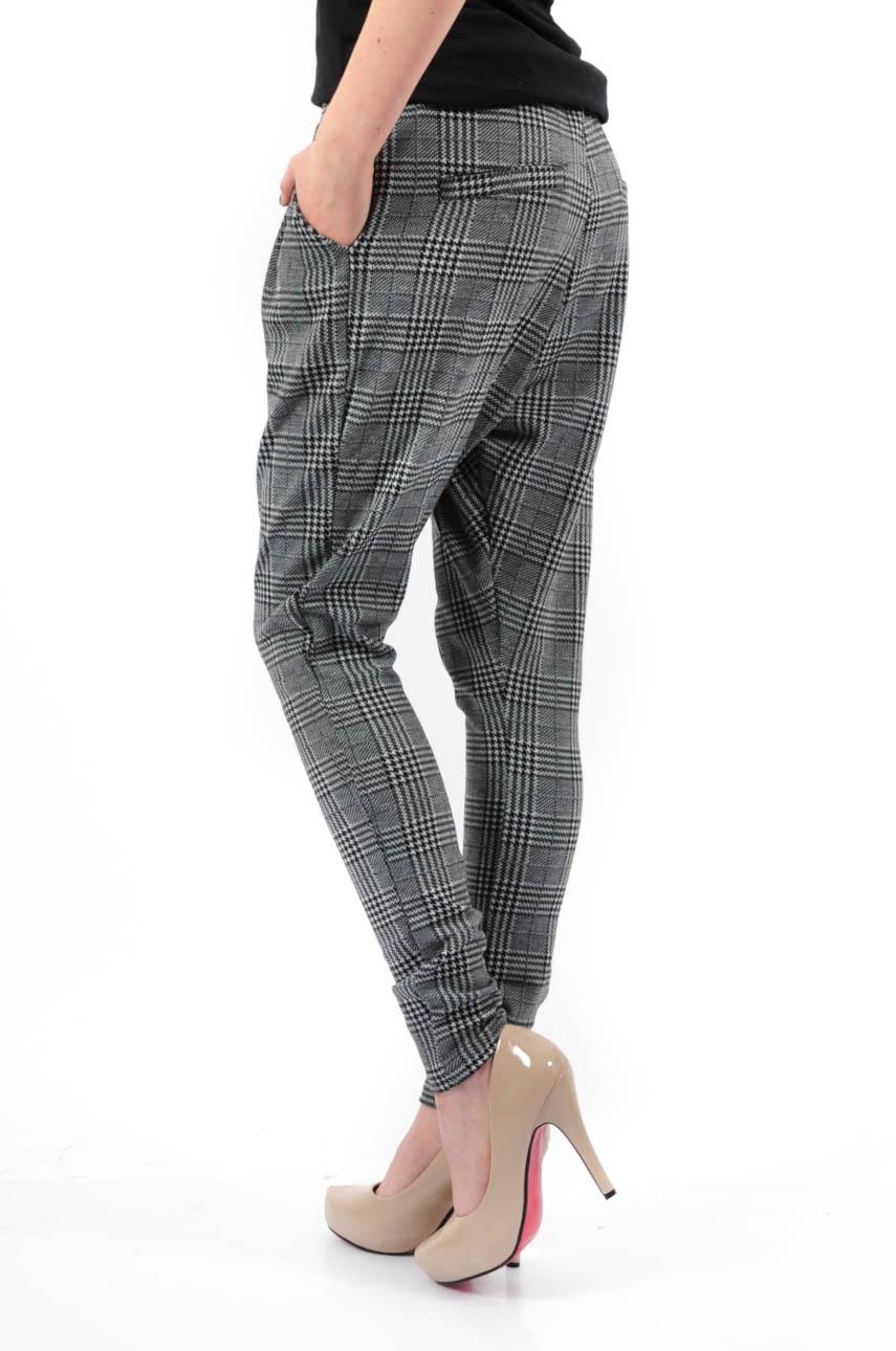 4a73da575ad9 Luźne spodnie obniżony krok w kratkę - Cocomoda.pl - odzież d...