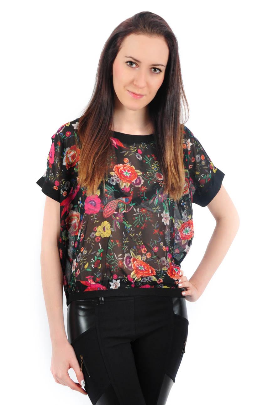 934c2e8add00 Bluzka szyfonowa w kwiaty czarna - Cocomoda.pl - odzież damsk...