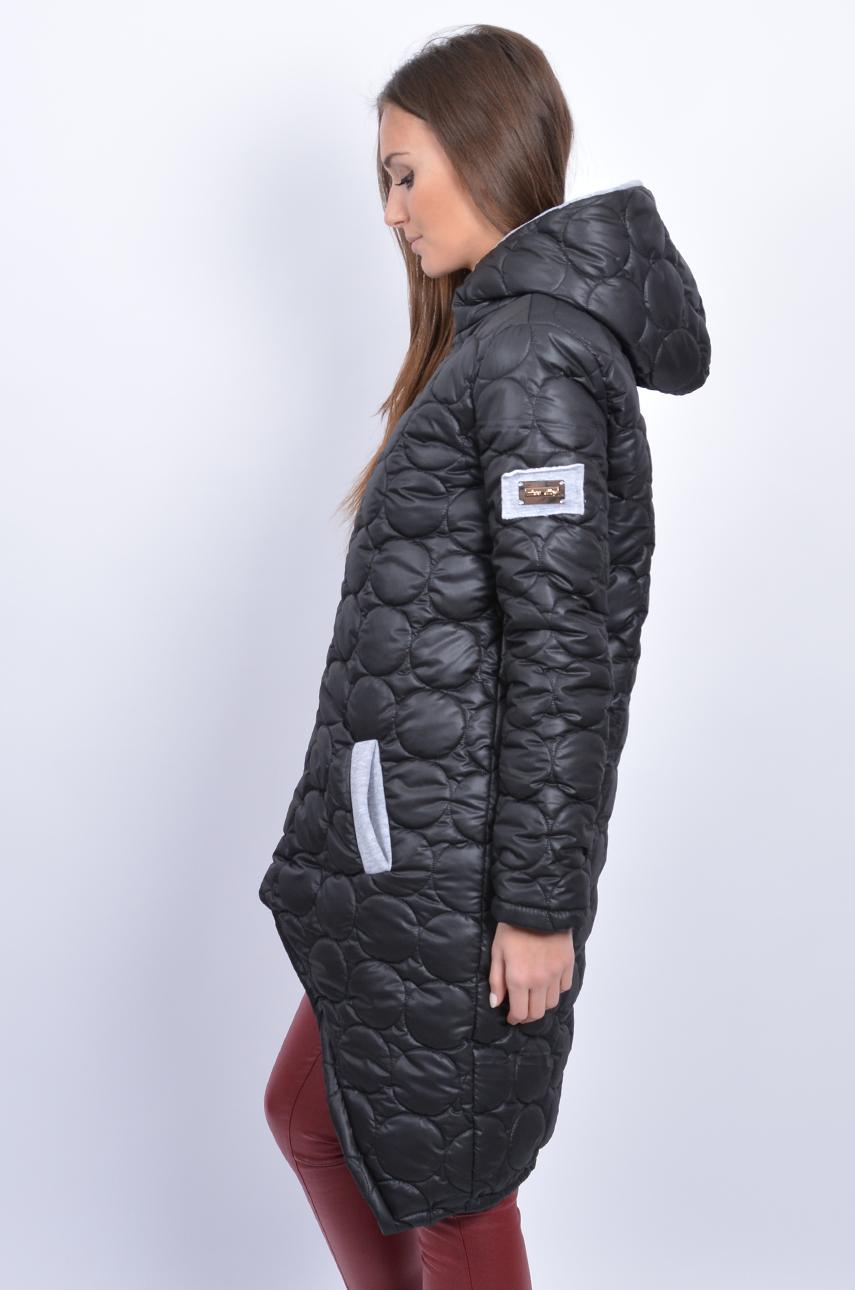 Futurystyczny płaszcz pikowany z kapturem czarny