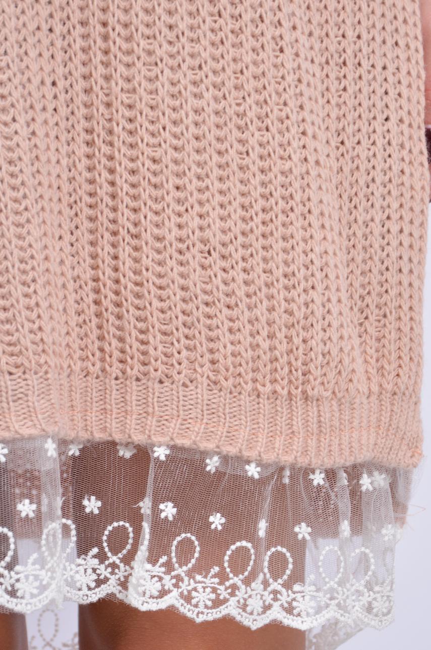 5af1b4a72e Sukienka swetrowa z białą koronką pudrowy róż - Cocomoda.pl -...