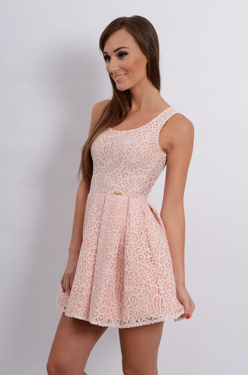 4efdda773e Wyjątkowy Sukienka rozkloszowana z koronki pudrowy róż - Cocomoda.pl - WZ-46