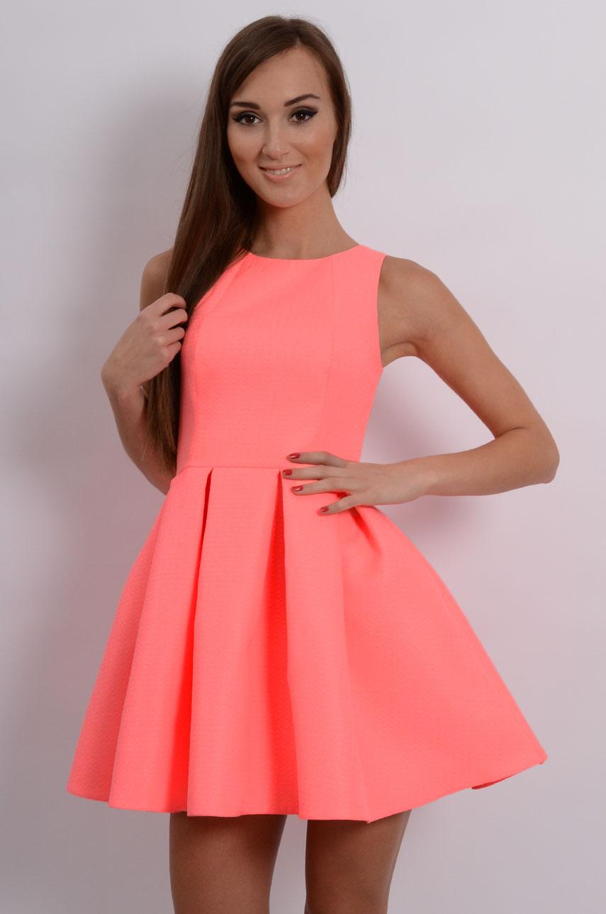 be8056c1e071 Sukienka rozkloszowana w zakładki neon brzoskwinia -Sklep coc...