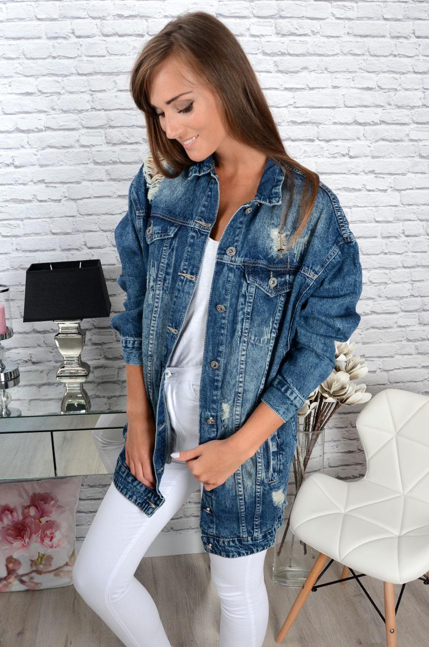dc0a6d437ac8 Długa kurtka katana jeansowa z dziurami - Cocomoda.pl - odzie...