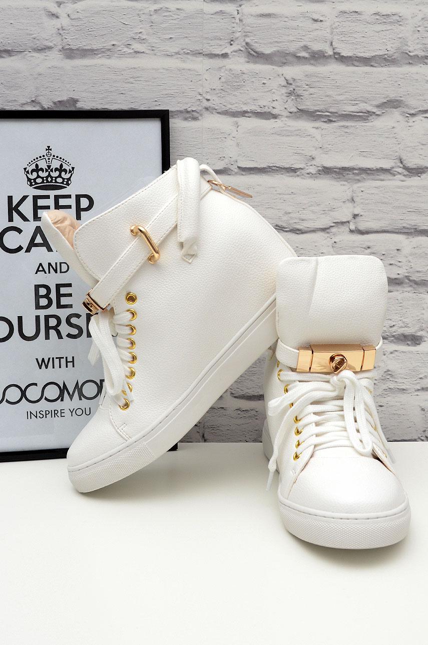 940a39d73 Trampki sneakersy na koturnie z kłódką białe - Cocomoda.pl -...
