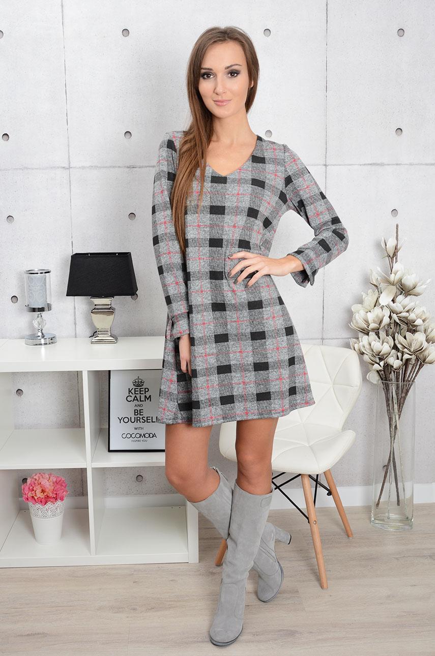 c1e139ade3 Dzianinowa sukienka w kratę z wiązaniem z tyłu - Cocomoda.pl ...