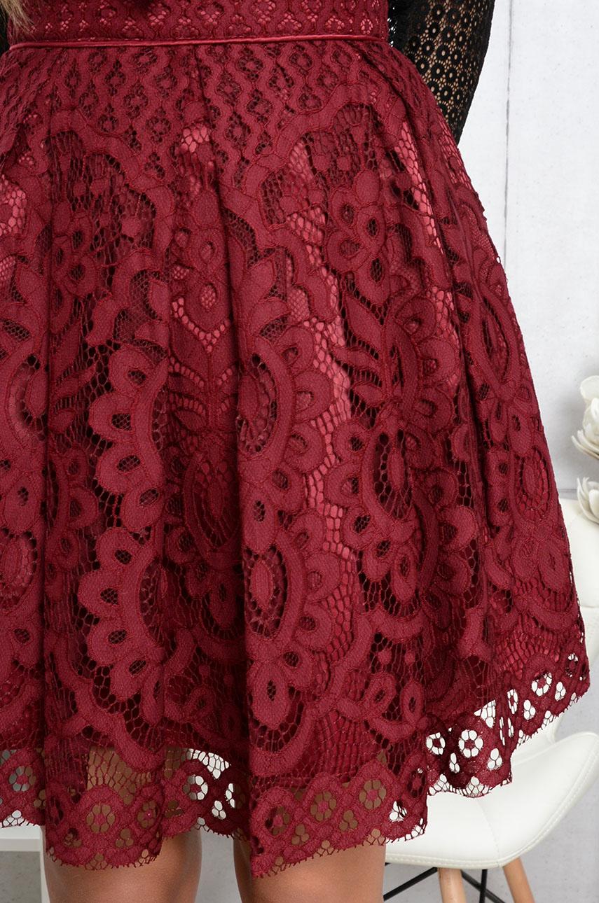 Spódnica rozkloszowana z koronki burgund