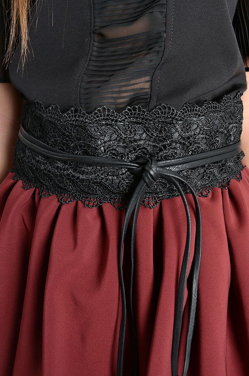 Pasek wiązany z koronką czarny