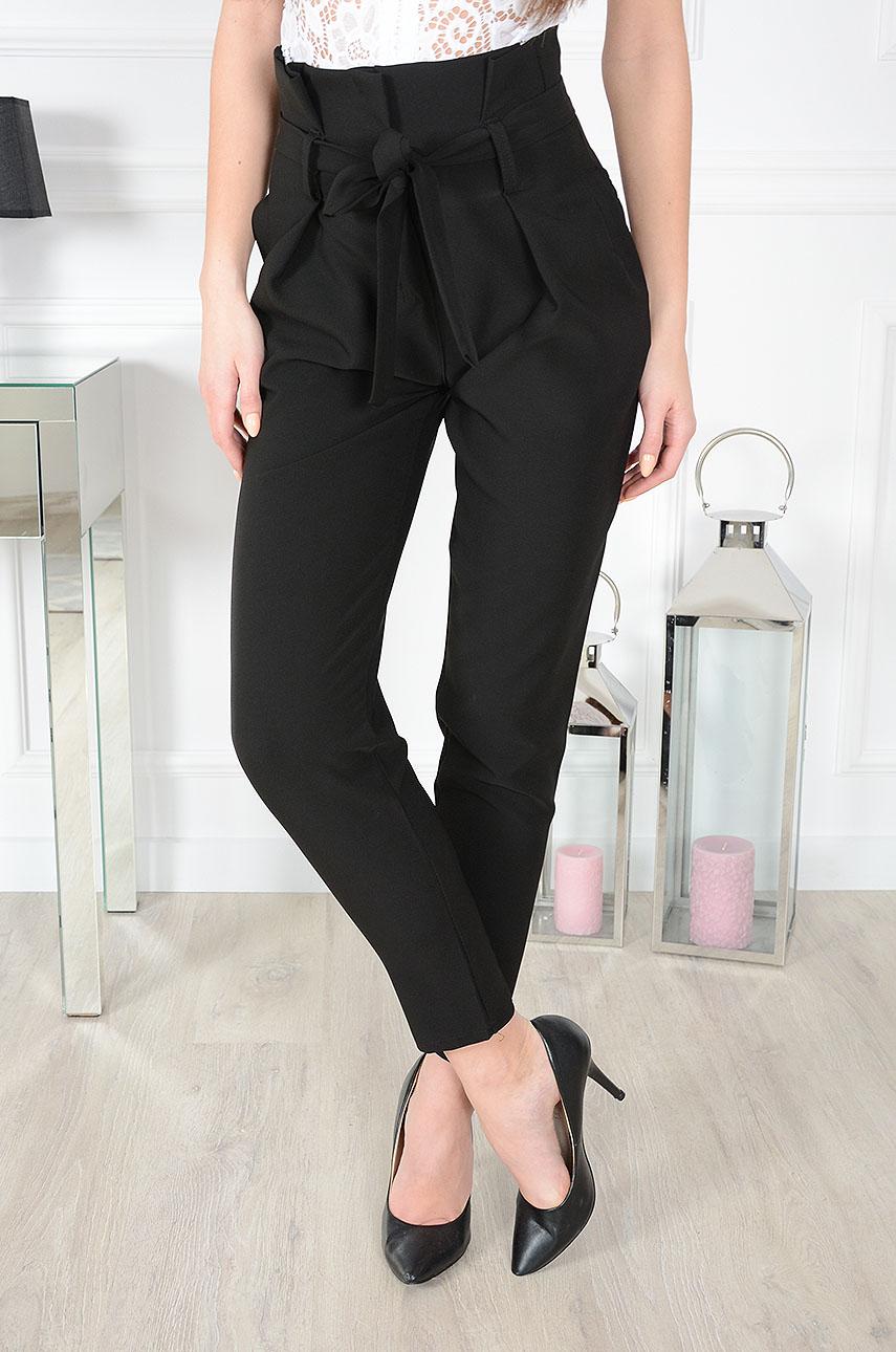 6ef442690762 Eleganckie spodnie z wysokim stanem czarne - Cocomoda.pl - od...
