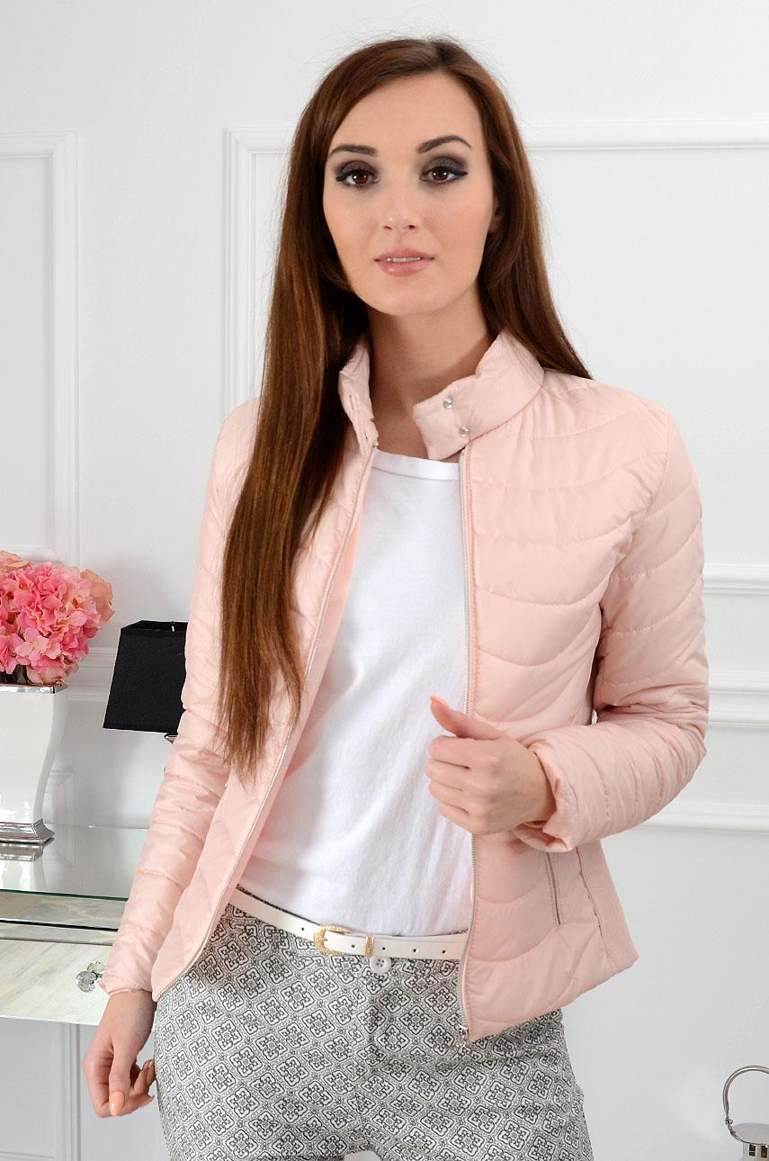 3f90a37e7d997 Kurtka pikowana Elegance Wave pudrowy róż - Cocomoda.pl - odz...