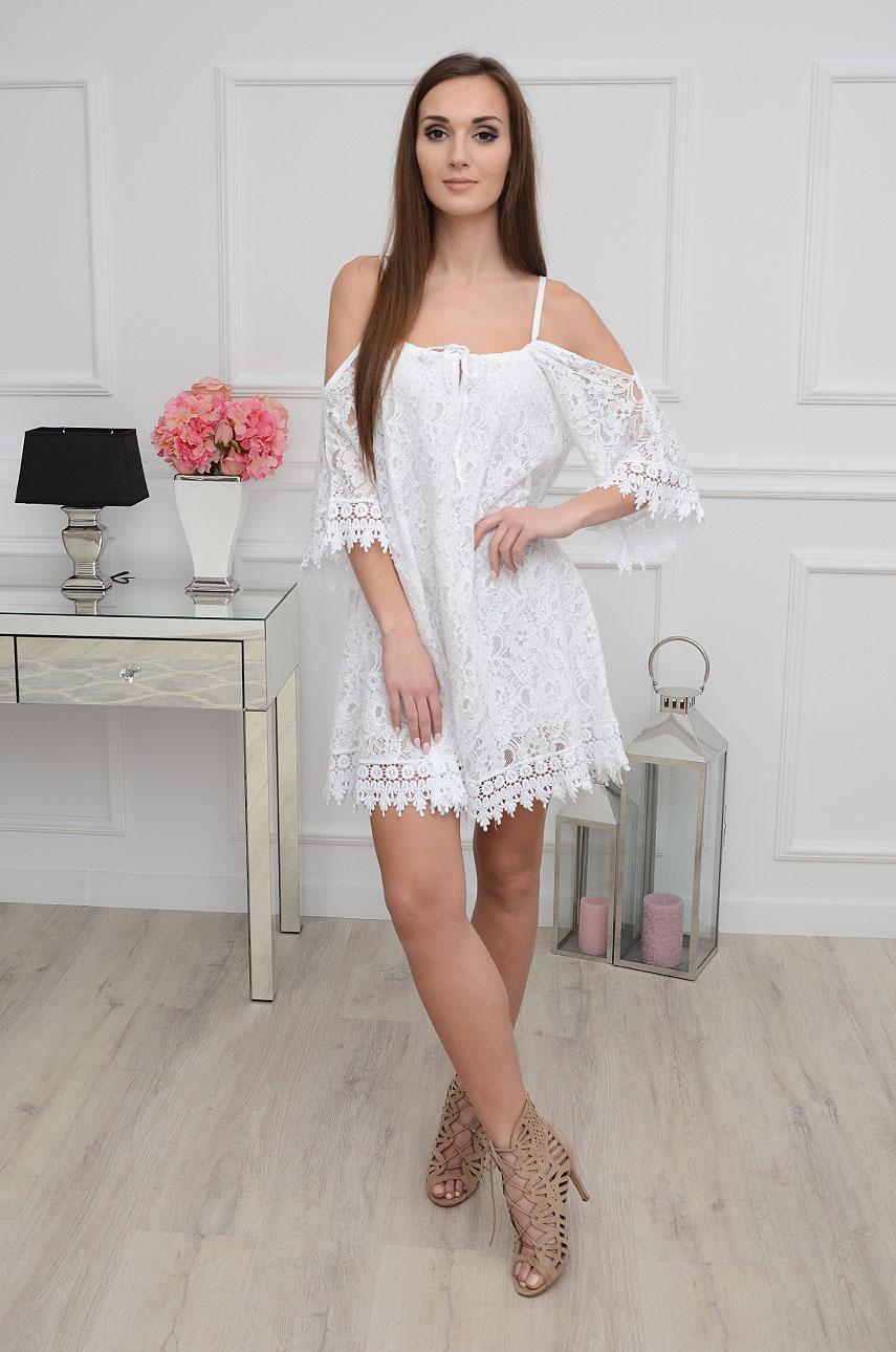 Jakie Dodatki Do Bialej Sukienki Modne I Oryginalne Propozycje