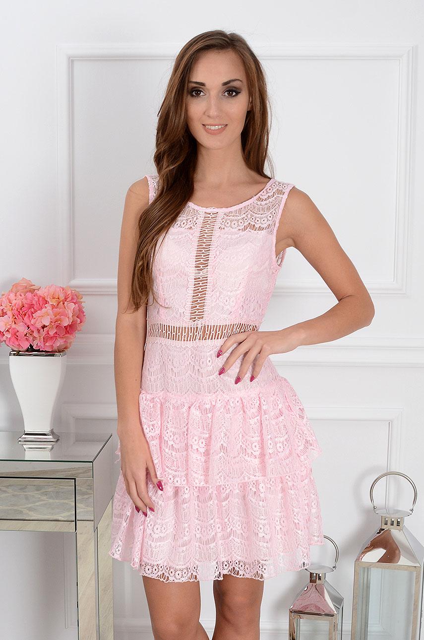 22c98b4977 Sukienka koronkowa Janette z falbankami różowa - Cocomoda.pl ...