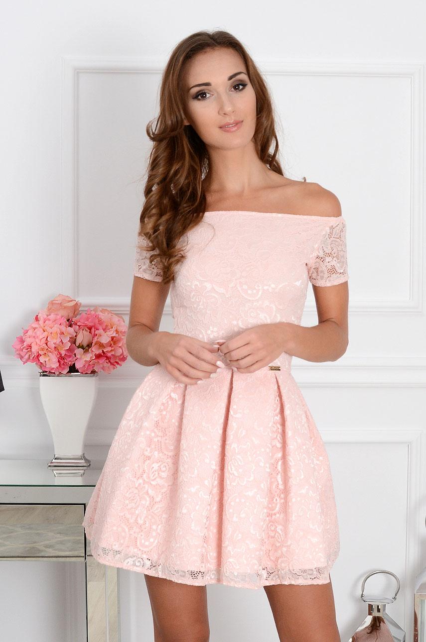 Sukienka koronkowa Scarlet pudrowy róż krótki rękaw