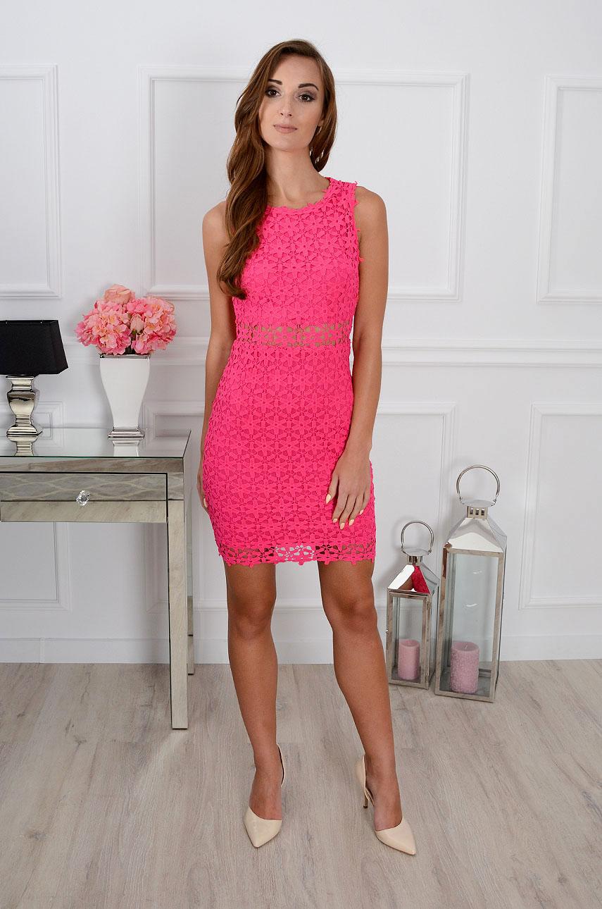 Sukienka W Kolorze Fuksji Z Czym Ja Laczyc Gotowe Stylizacje