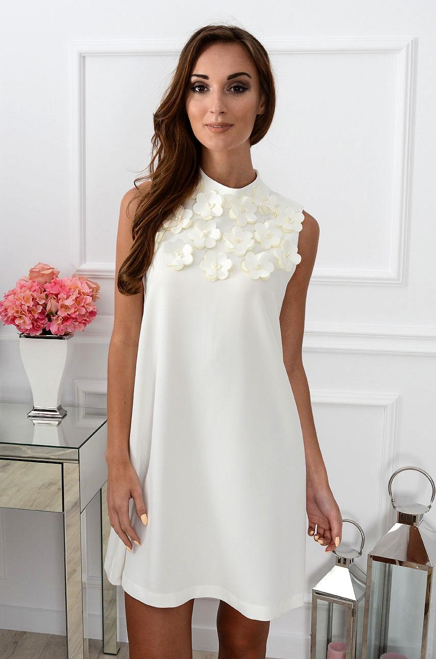 Sukienka trapezowa z kwiatami 3D kremowa