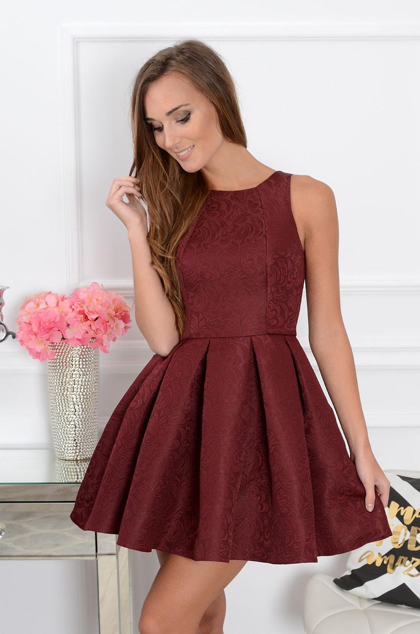 861d1dc76b1f Sukienka rozkloszowana w zakładki burgund żakardowa Sklep coc...