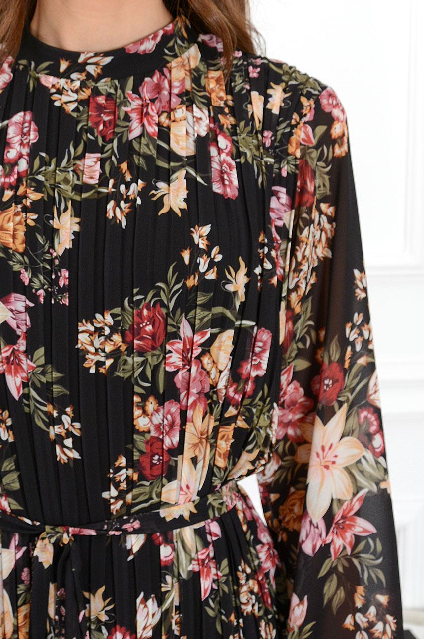 a22da9eb14 Sukienka Lanza plisowana w kwiaty czarna - Cocomoda.pl - odzi...