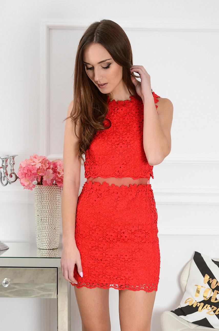 f68cc996 Sukienka z koronki z siateczką w pasie czerwona
