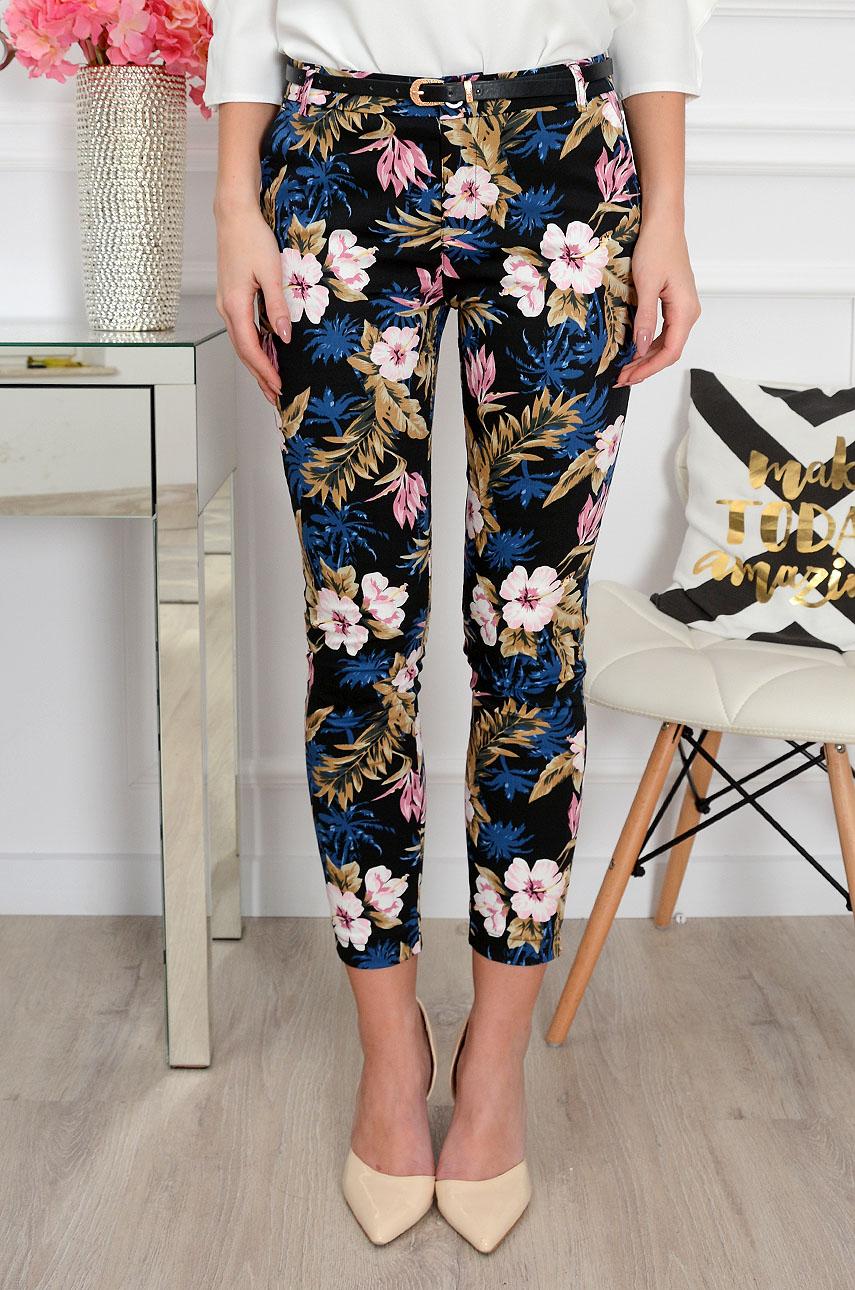 d2ccac75 Spodnie w kwiaty i palmy czarne Freesia