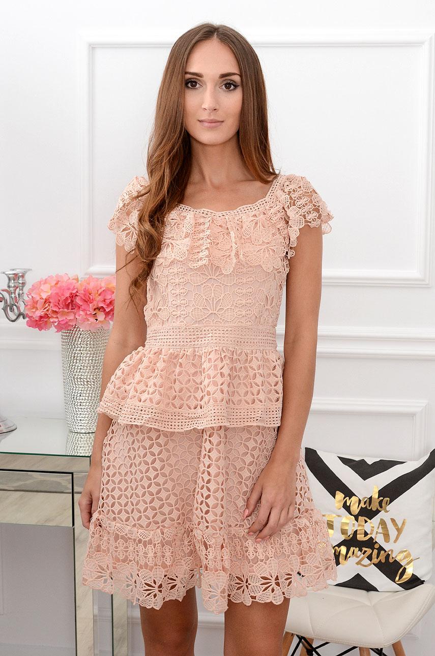Sukienka koronkowa z falbanami pudrowa Aleksa Rozmiar: S