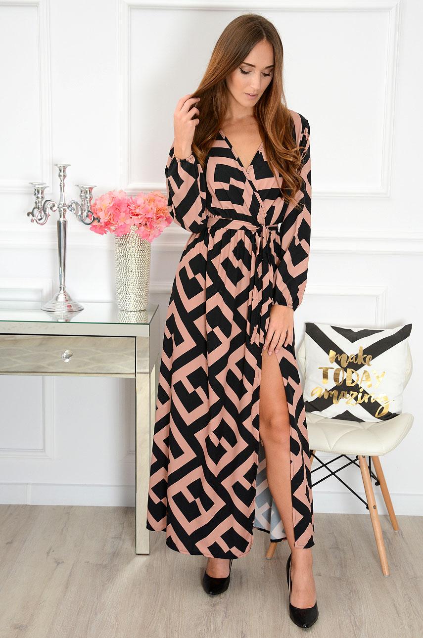 0c0d95d4 Sukienka maxi w geometryczne wzory Ruby czarna - kamel