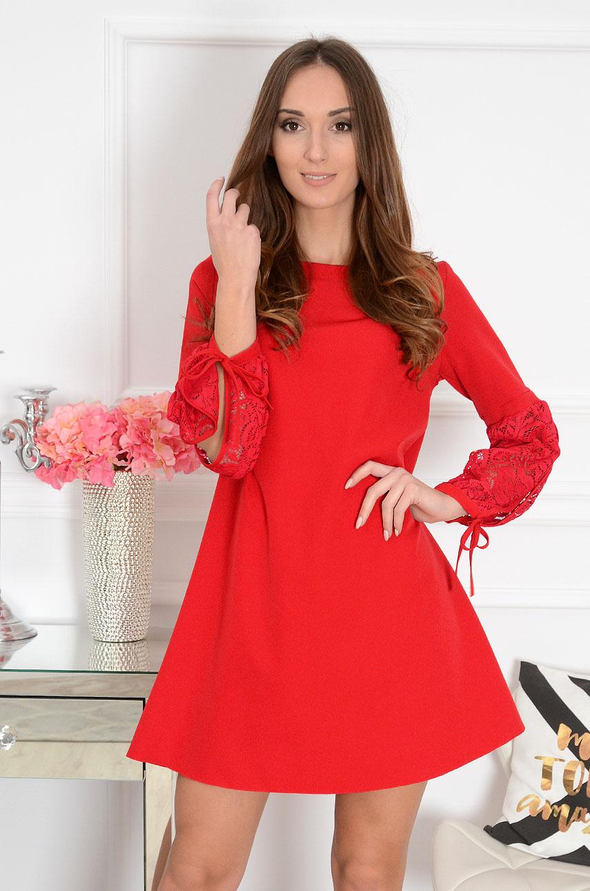 2e3e8f43a6 Sukienka trapezowa koronkowe rękawy czerwona Enya