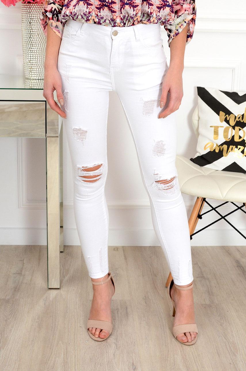 d3de5ccfe6 Spodnie jeansowe z dziurami wysoki stan białe
