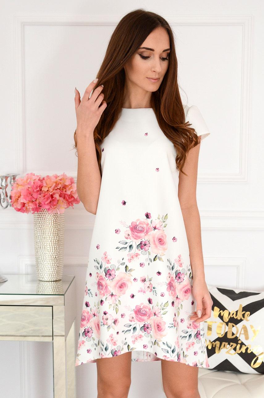 62cdd06125 Sukienka trapezowa w różowe kwiaty kremowa Suzy