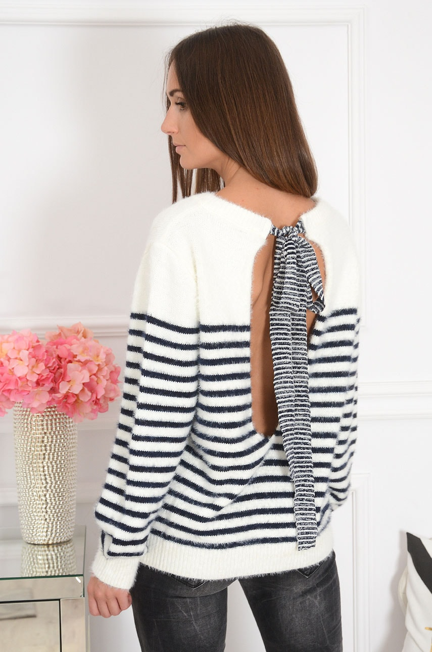 Sweter z dekoltem na plecach w paski kremowo-granatowy Kremsi Rozmiar: UNI