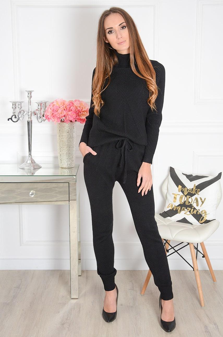 Komplet dresowy sweterkowy golf+ spodnie czarny Island Rozmiar: UNI