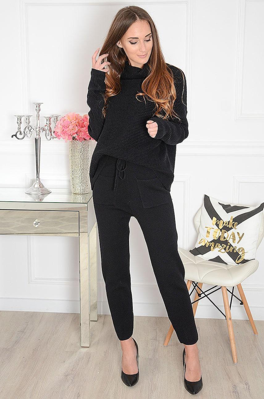 Komplet dresowy sweterkowy golf+ spodnie czarny Antartis Rozmiar: UNI