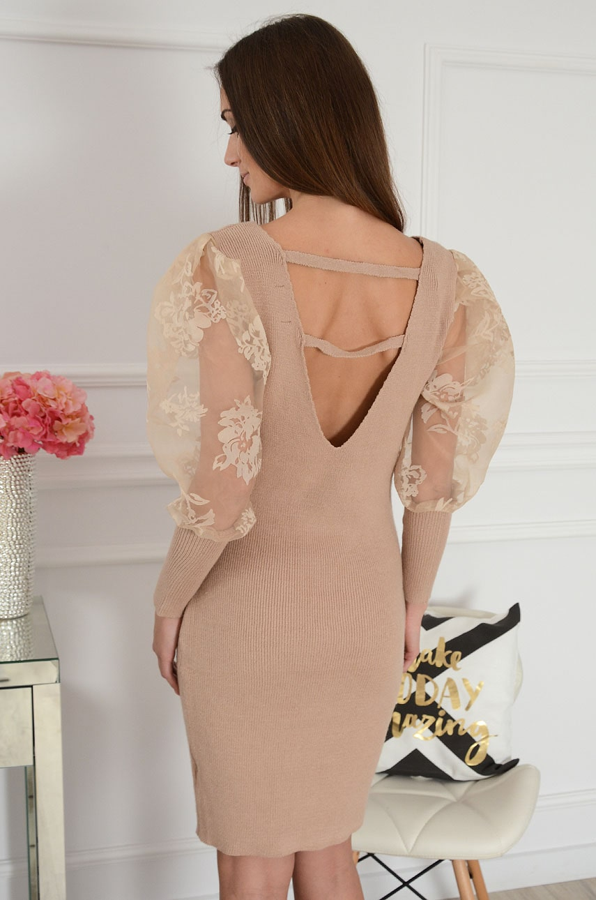 Sukienka prążkowana ozdobne tiulowe rękawy beż Brenda Rozmiar: UNI