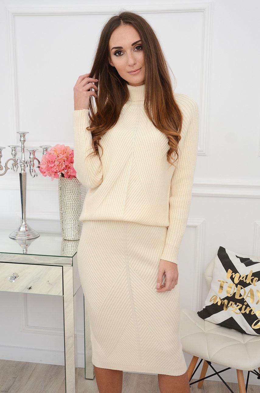 Komplet sweterkowy prążkowany golf+ spódnica kremowy Parize Rozmiar: UNI