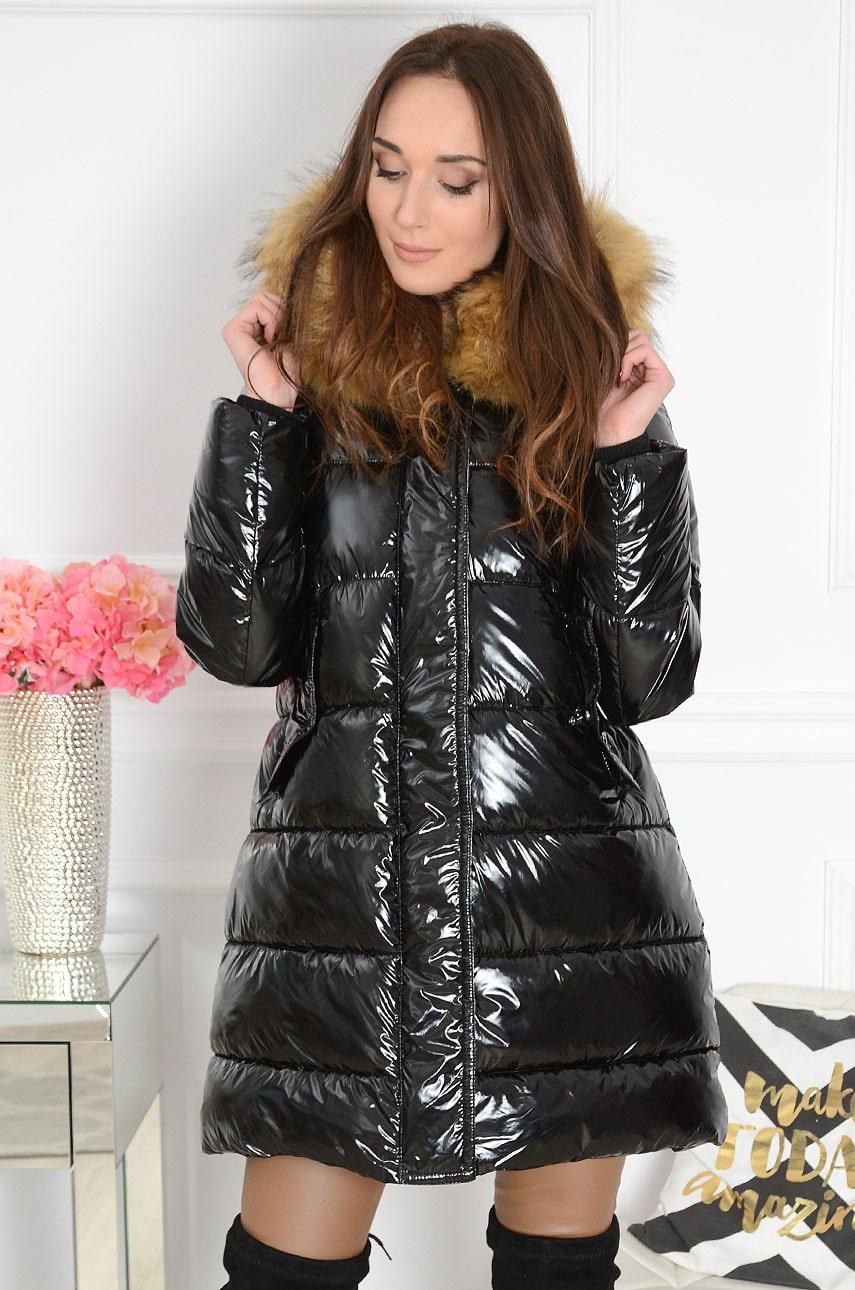 Długa kurtka pikowana z futrem czarna, kurtki i płaszcze, Skl