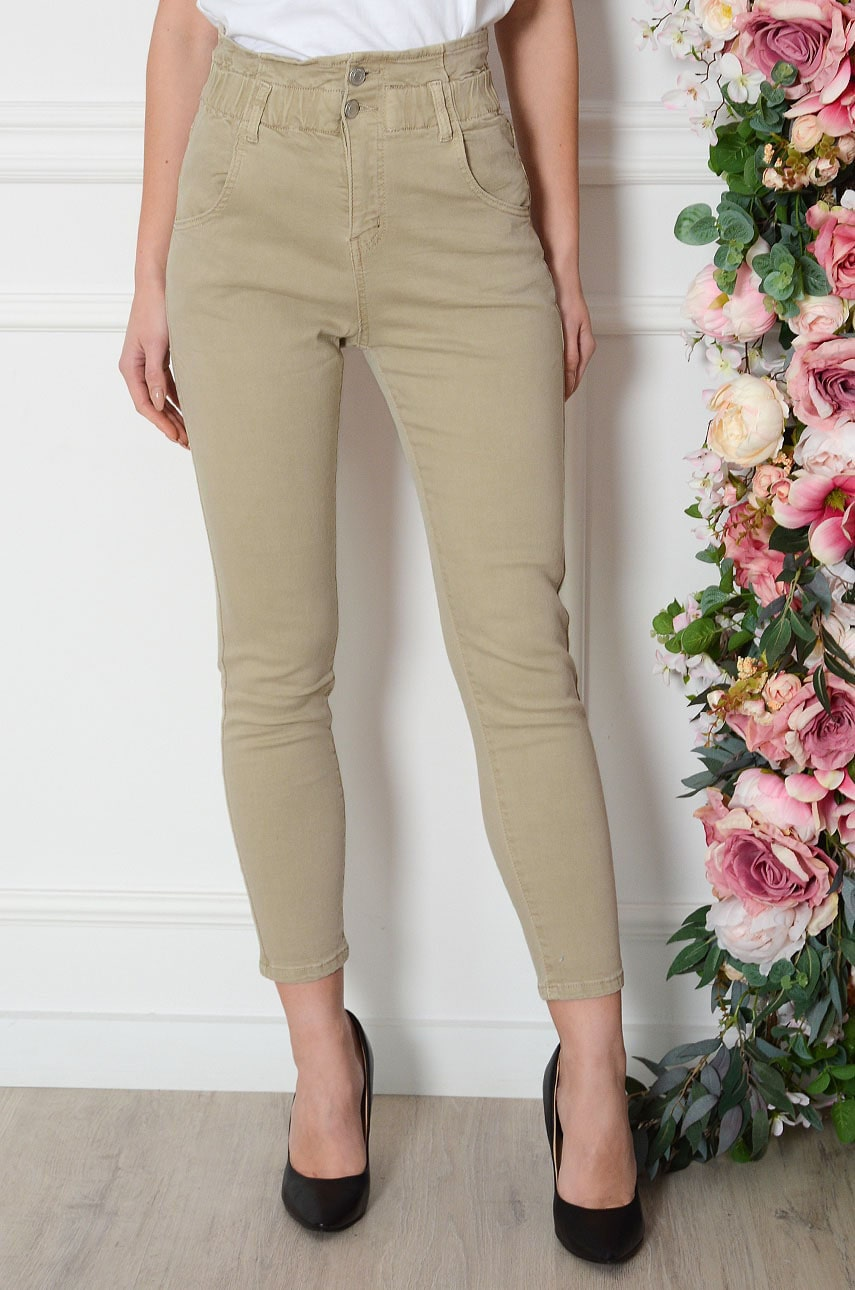 Spodnie mom jeans marszczone w pasie beż Vraska Rozmiar: S