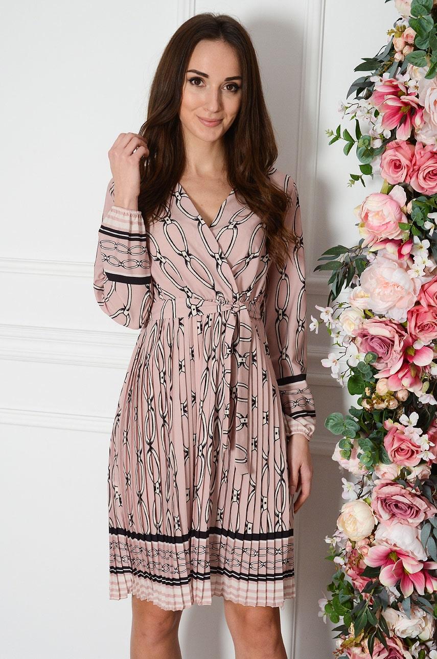 Sukienka plisowana w łańcuchy brudny róż Agnetta Rozmiar: UNI