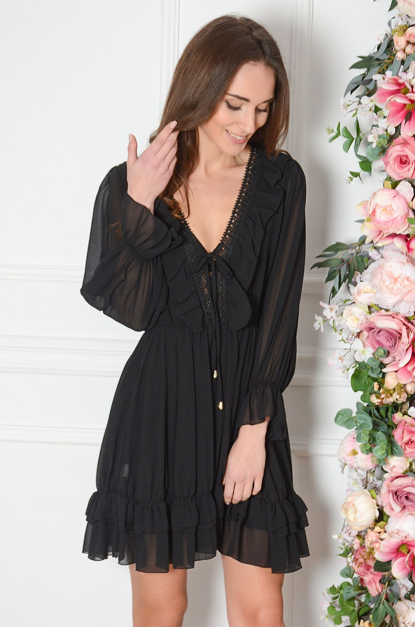 Sukienka szyfonowa z falbanką i gipiurą czarna Rosa Rozmiar: UNI