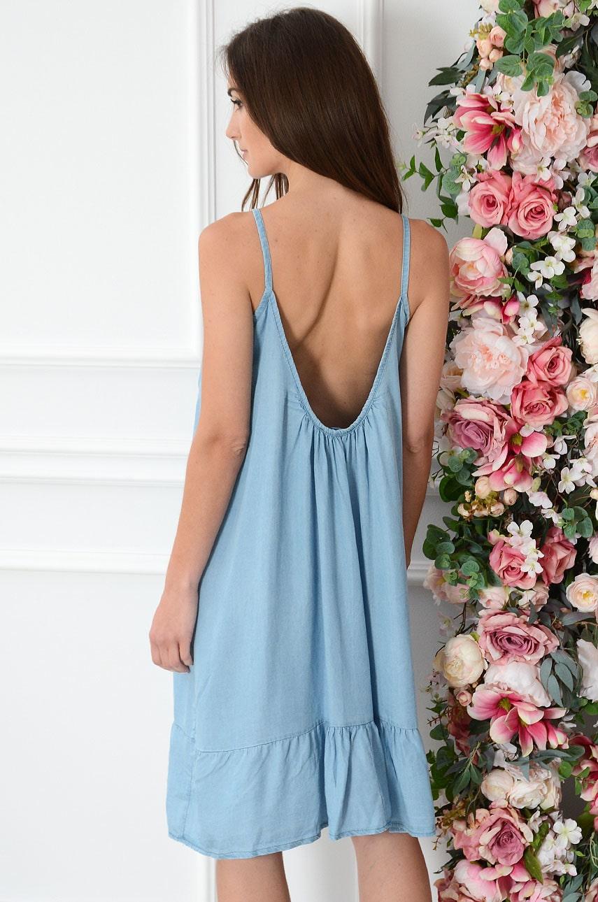 Sukienka oversize jeansowa na ramiączkach błękitna Makia Rozmiar: UNI