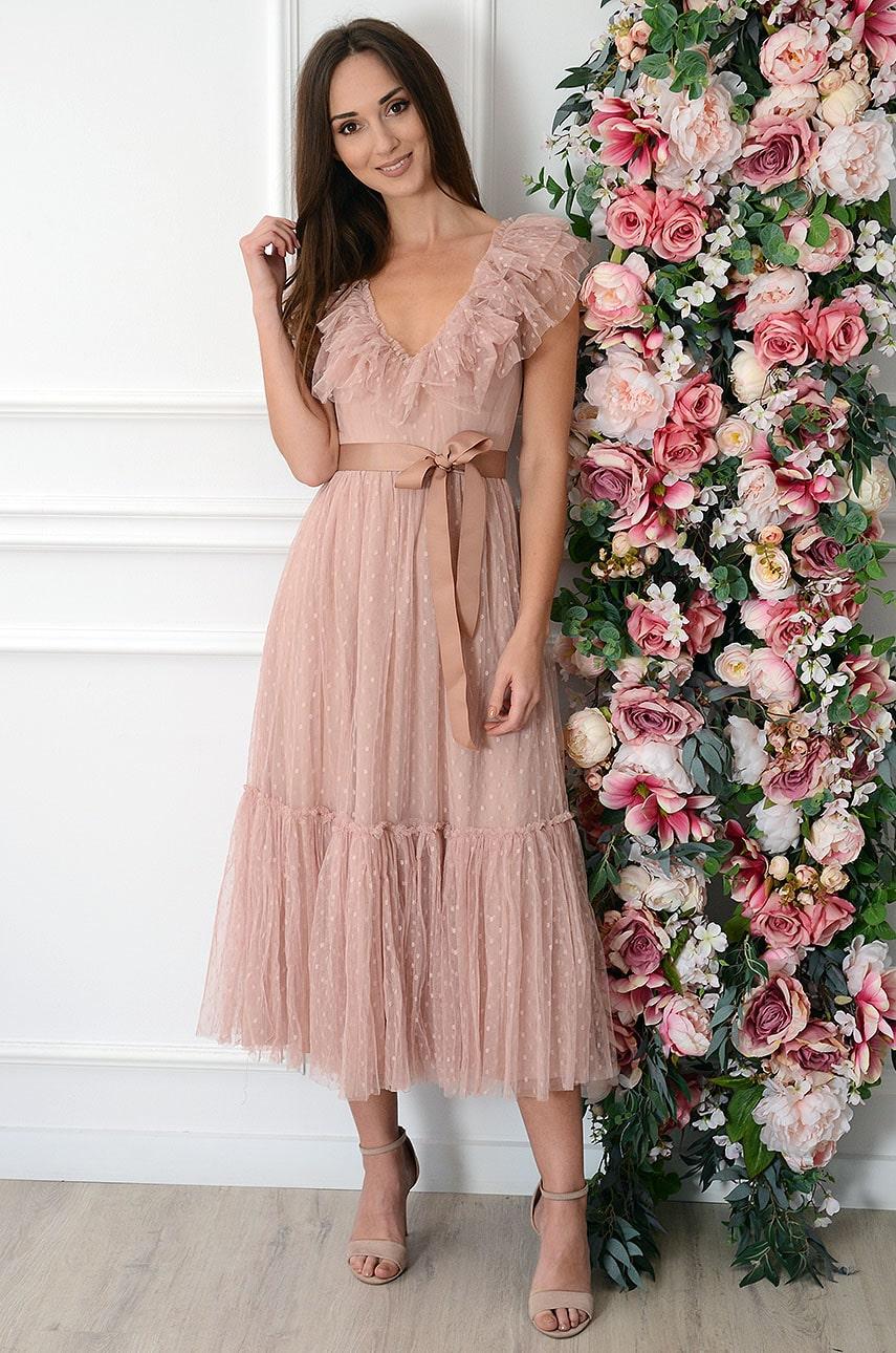 Sukienka midi tiulowa z falban dekolt V brudny róż Victoria Rozmiar: S