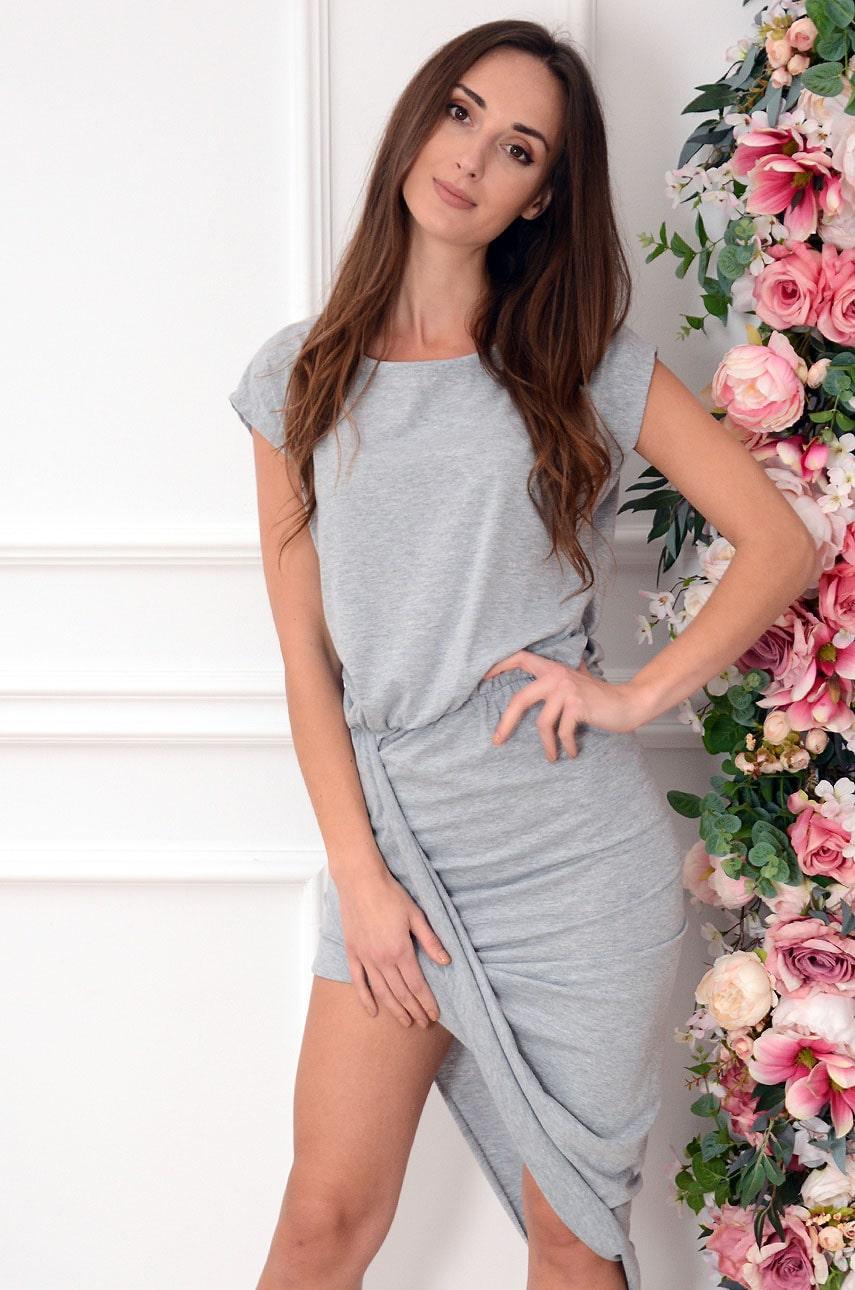 Sukienka asymetryczna z zakładką szara Amalia Rozmiar: UNI