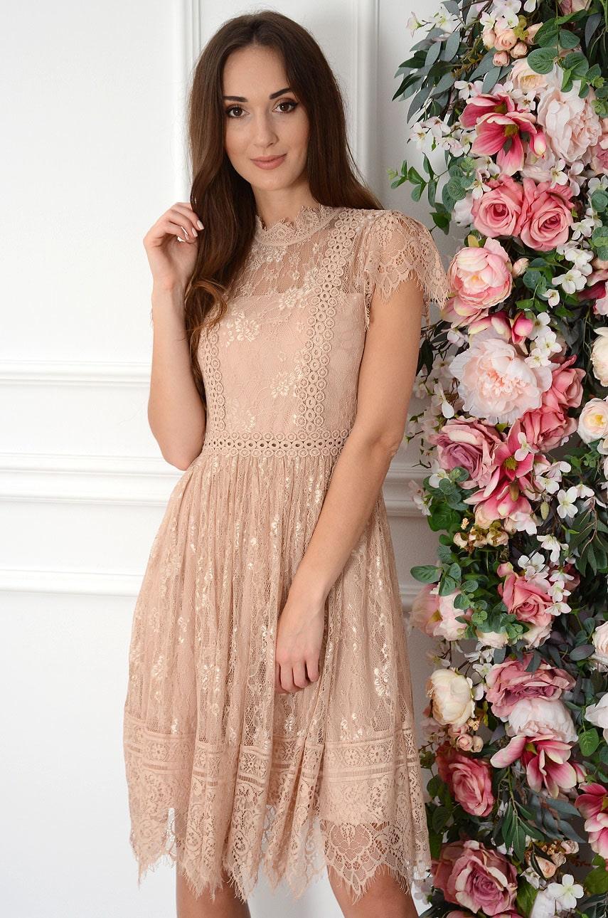 Sukienka koronkowa ze stójką brudny róż Ursula Rozmiar: S