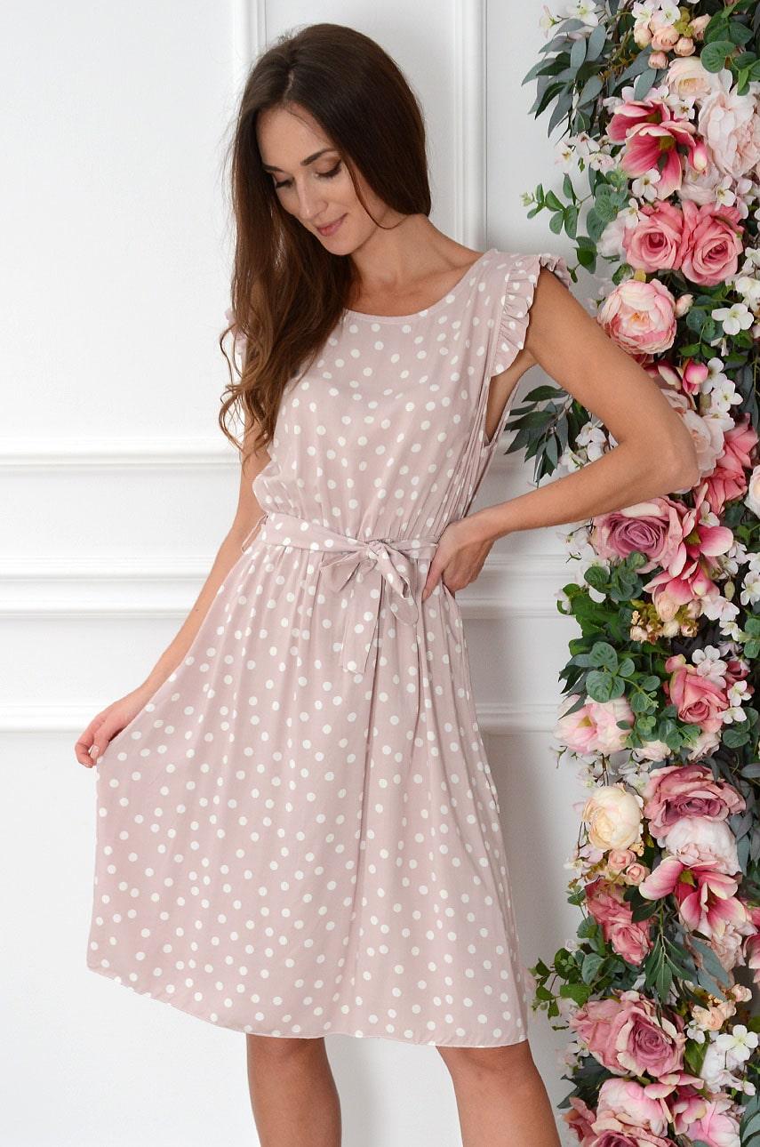 Sukienka w grochy z paski i falbaną pudrowa Orsola Rozmiar: UNI