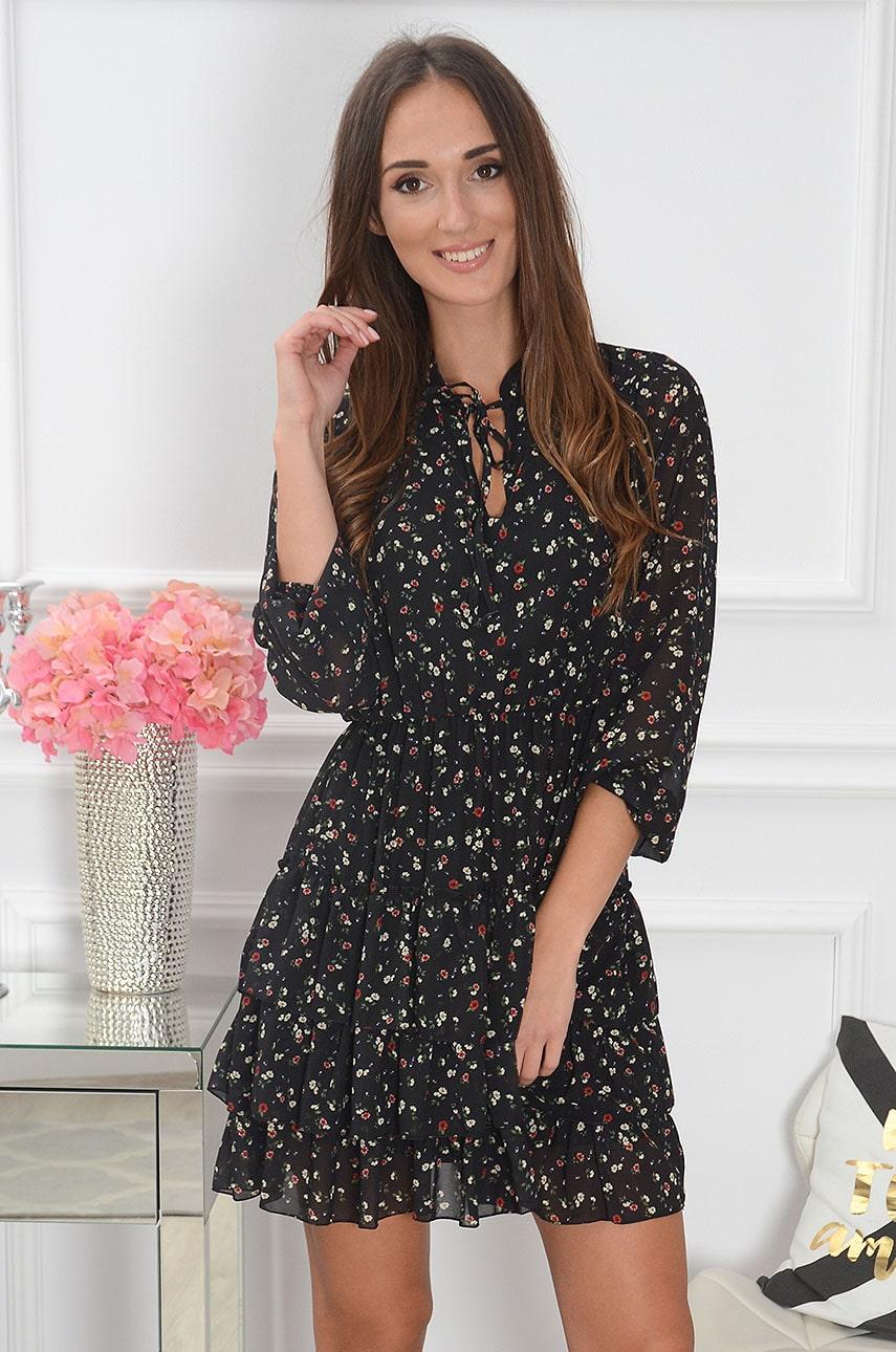 Sukienka z falbankami i wiązaniem w drobne kwiatuszki czarna Magli Rozmiar: UNI
