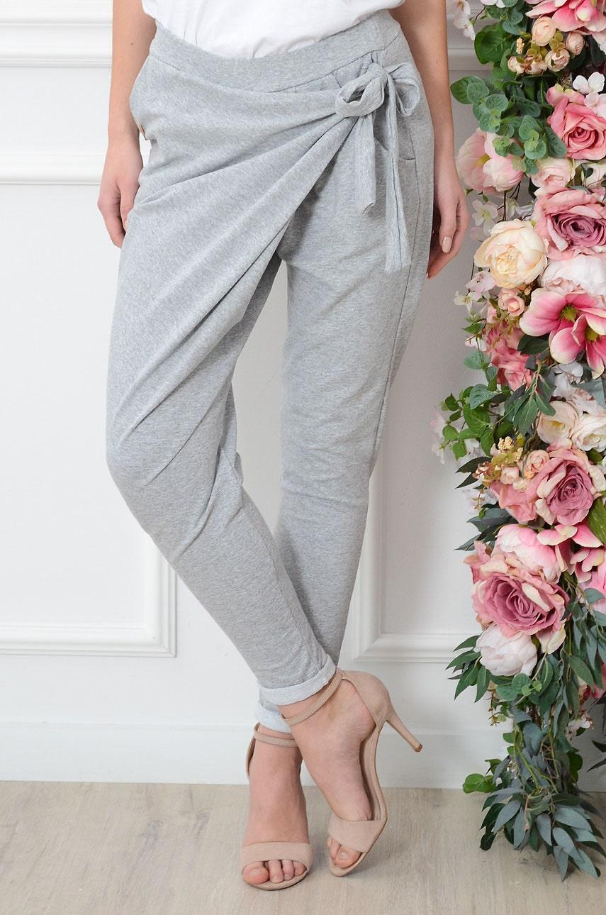 Spodnie dresowe z zakładką i wiązaniem szare Rozmiar: UNI